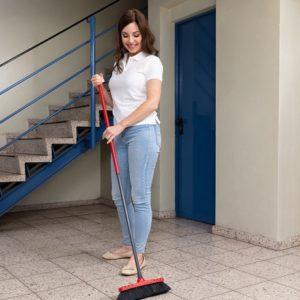 Услуги по уборке и ведению домашнего хозяйства